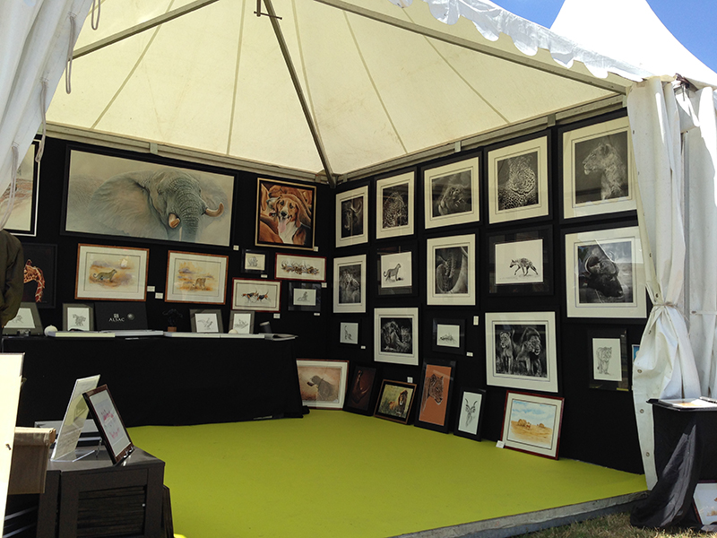 wildlife-artist-booth-hunting-fair-safari